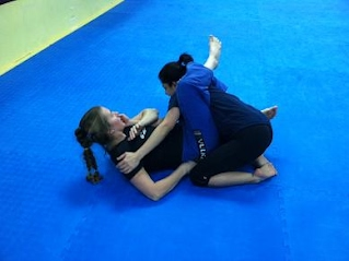 Open Mat training for women's grappling
